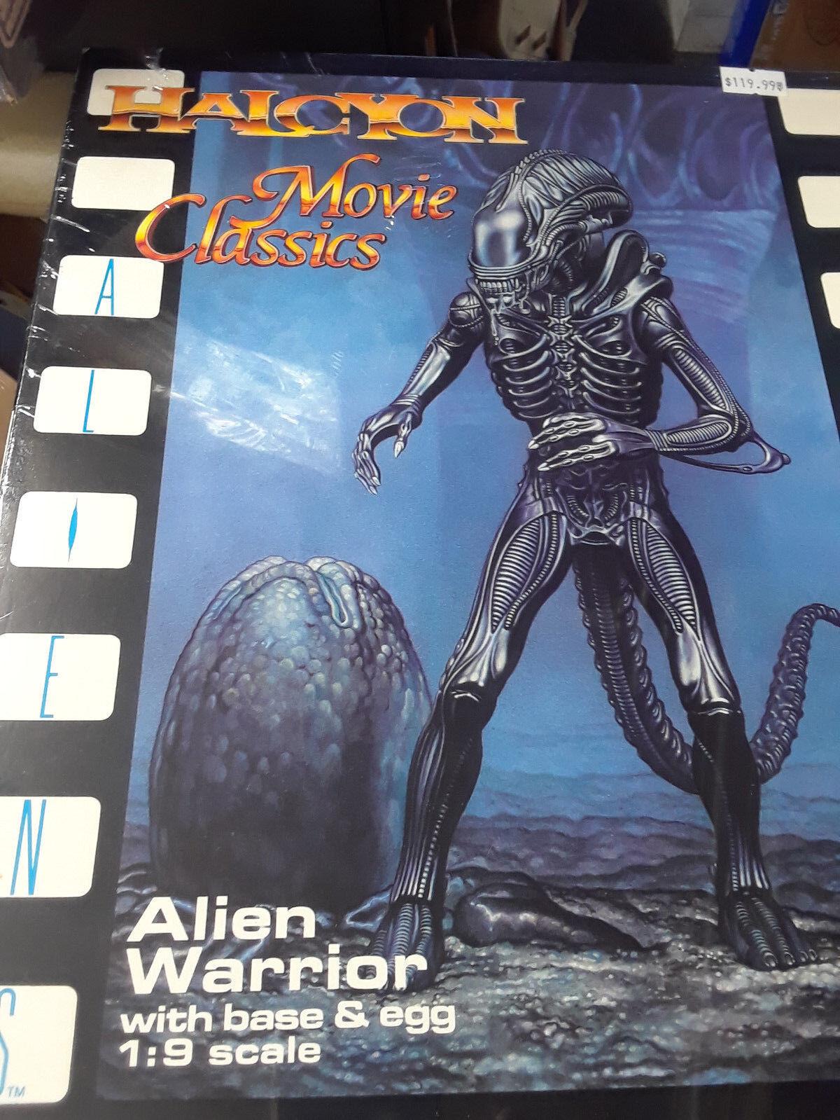 Halcyon película clásicos Alien Warrior Con Base & Kit de modelo de escala 1/9 de huevo