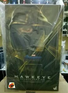 Hottoys-HAWKEYE-Deluxe-Version-AEG