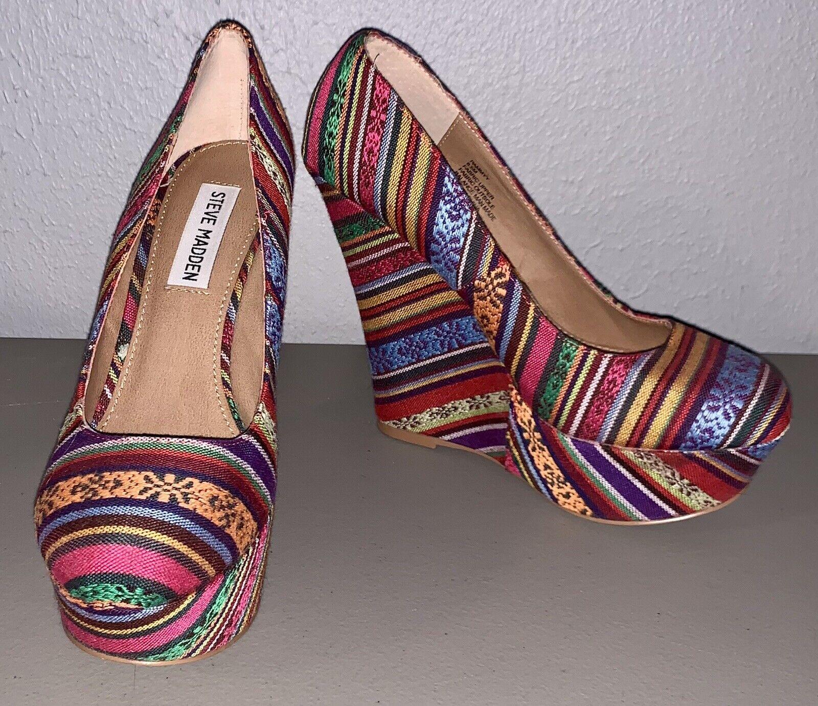 * Comme neuf * Steve Madden Pammyy Compensées Plateforme Talon Haut Chaussures Taille 6.5 Boho Aztec