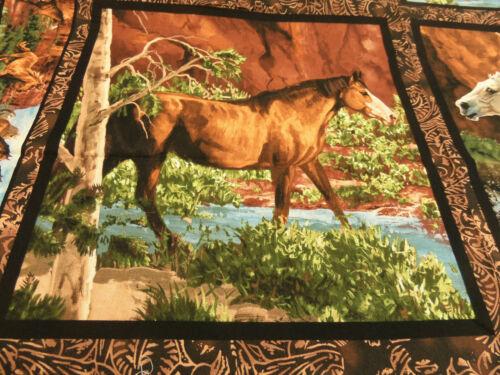 Pferde  45 x 55 cm  BW mehrf. Patchworkstoff  Panel