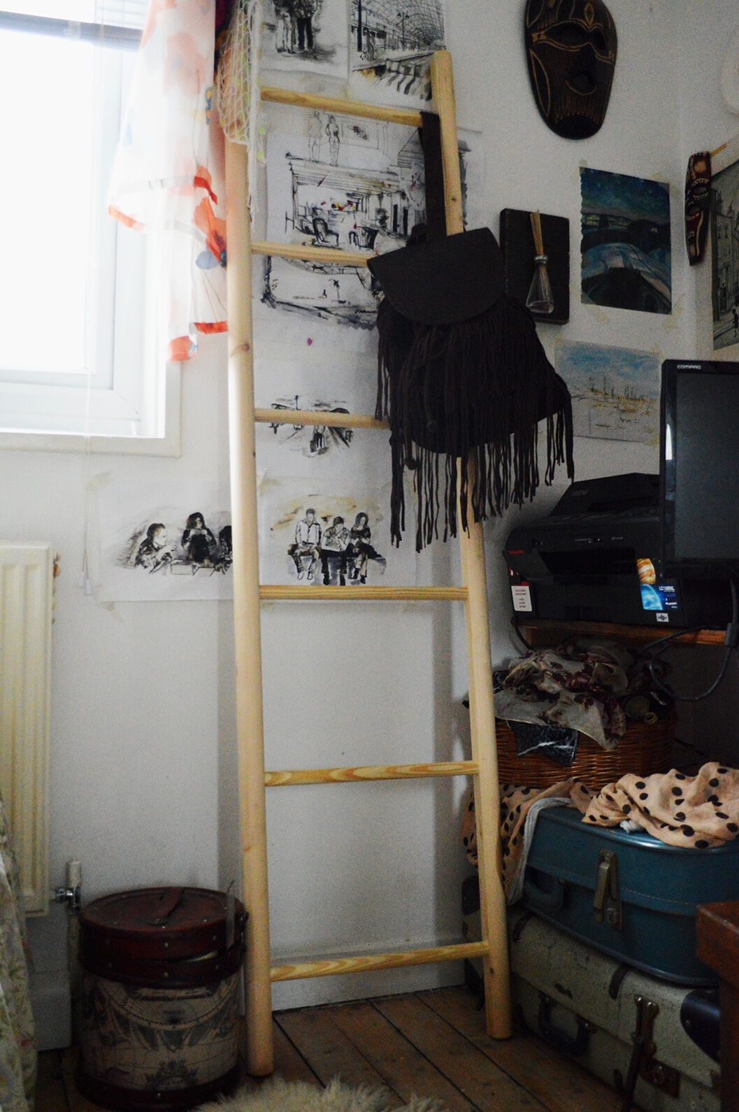 Classic Wooden  Ladder    for a Vintage Look Hand Made. 48f741