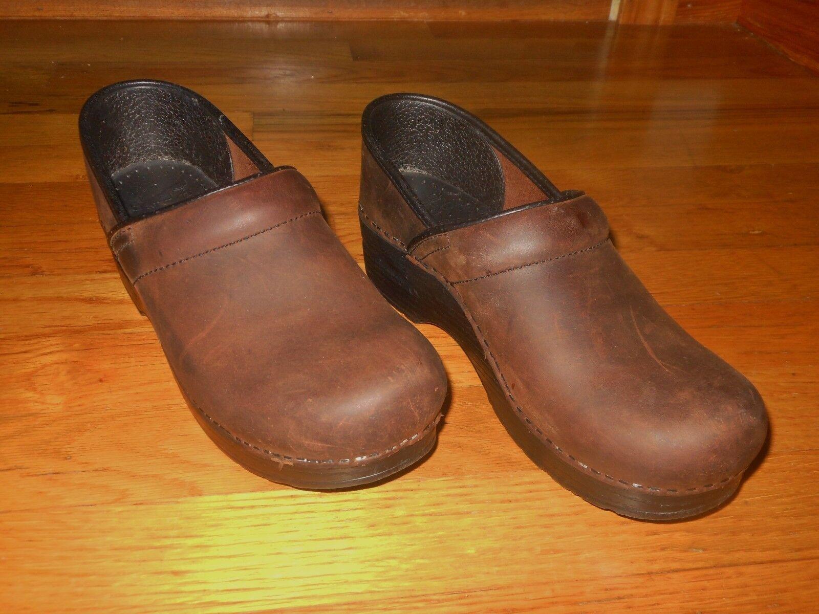 Dansko Professional women's clogs - Size 7.5-8 - Antique brown - Excellent cond