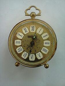 Vintage-Very-Attractive-Happy-Home-West-Germany-Desk-Alarm-Filigree-Brass-Clock
