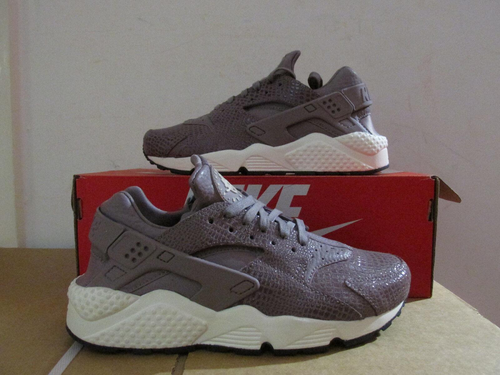 Nike Womens Air Huarache Run Print Running Trainers 725076 501 Sneaker CLEARANCE Cheap women's shoes women's shoes