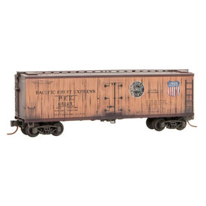 UP-Pacific-Fruit-Express-40-039-Wood-Sheated-Ice-Reefer-Car-MTL-047-44-145-N-Scale