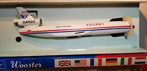 WOOSTER-W456-CHINA-EASTERN-CARGO-MD-11F-1-250-SCALE-PLASTIC-SNAPFIT-MODEL