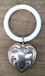 Old-Children-Rattle-Baby-039-s-Teething-Ring-Gripping-Heart-Silver-Plated-0-7oz