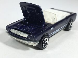 Hot-Wheels-1998-039-65-Mustang-Convertible-Metalflake-Dark-Blue-HW-Mainline-Loose