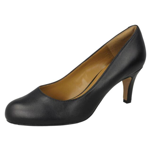 Clarks /'Carlita Cove/' Ladies Black Leather Court Shoes D Fit