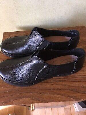 Womens Clarks shoes size 11m Cheyn Bow