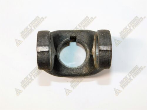 """118400 New Buyers H10 END YOKE  1-1//8/"""" RD 1//4/"""" KW OBSOLETE New Old Stock"""
