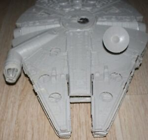 Star Wars 1995 Power of the Force Electronic Millennium Falcon