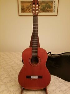 1970s Japanese made Epiphone classical guitar w/ chipcase excellent condition