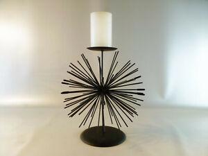 Strahlenfoermiger-schwarzer-Draht-Eisen-Kerzenstaender-22-cm-Hoehe