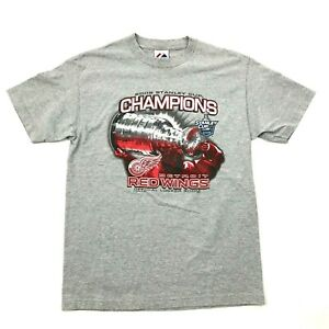 Majestic Detroit Red Wings Shirt Men's Size Medium Gray Stanley Cup CHAMPIONS T