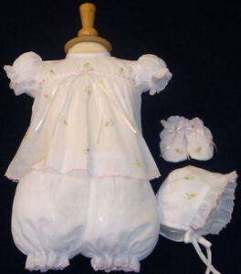 NWT-Will-039-beth-White-Baby-Girls-4pc-Diaper-Set-Preemie-Size-00-Bonnet-amp-Booties
