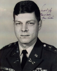 HAROLD A. FRITZ SIGNED AUTOGRAPHED 8x10 PHOTO MEDAL OF HONOR MOH BECKETT BAS