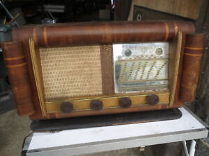ancien poste radio bois vintage ann es 1960 ancienne radio lampe ebay. Black Bedroom Furniture Sets. Home Design Ideas