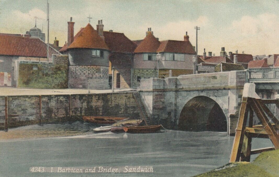 SANDWICH, England, PU-1907; Barbican and Bridge