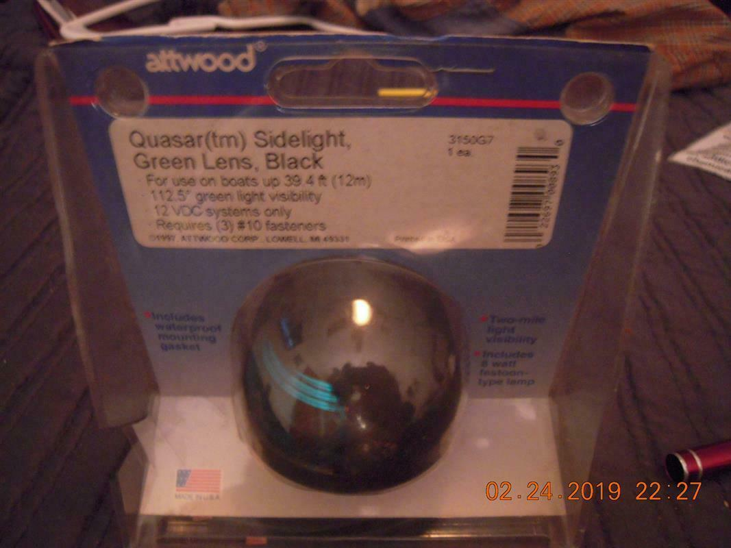 Attwood Quasar Red Sidelight 2-mile Black Housing with Wire #3150R7