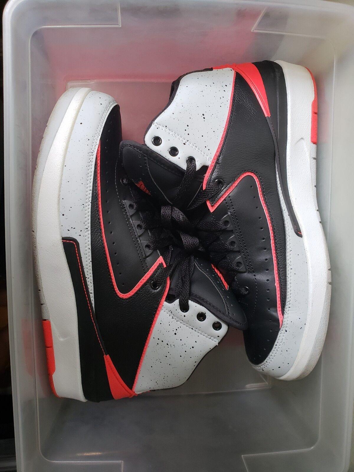 Air Jordan 2 infrared men's size 8 excellent condition