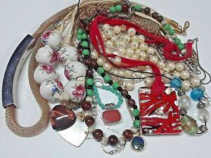 Lot-of-vintage-necklaces-ceramic-porcelain-painted-beads-glass-pendant-more
