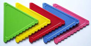 20 Stück Eiskratzer in grün, gelb, rot, blau, pink, Dreiecksform, handlich