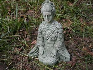 Cement-6-034-Kneeling-Geisha-Asian-Garden-Art-Green-Patina-Concrete-Girl-Statue