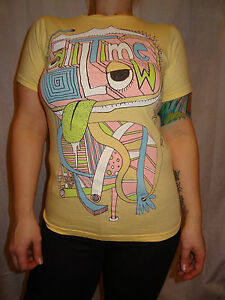 All-Time-Low-Abstract-Face-Yellow-Bay-Island-Short-Sleeve-Cotton-Graphic-Tee-S