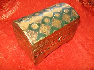 beau petit coffre ancien a bijoux en bois dore et peint style florentin italie ebay. Black Bedroom Furniture Sets. Home Design Ideas