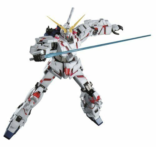 Bandai Hobby RX-0 Unicorn Gundam 1 100 Master Grade Model Kit from japan New