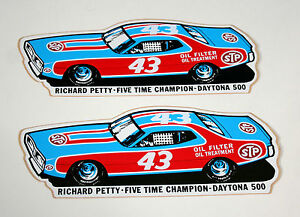 2-Vtg-NASCAR-STP-Oil-Richard-Petty-43-Race-Car-Charger-Daytona-500-Sticker