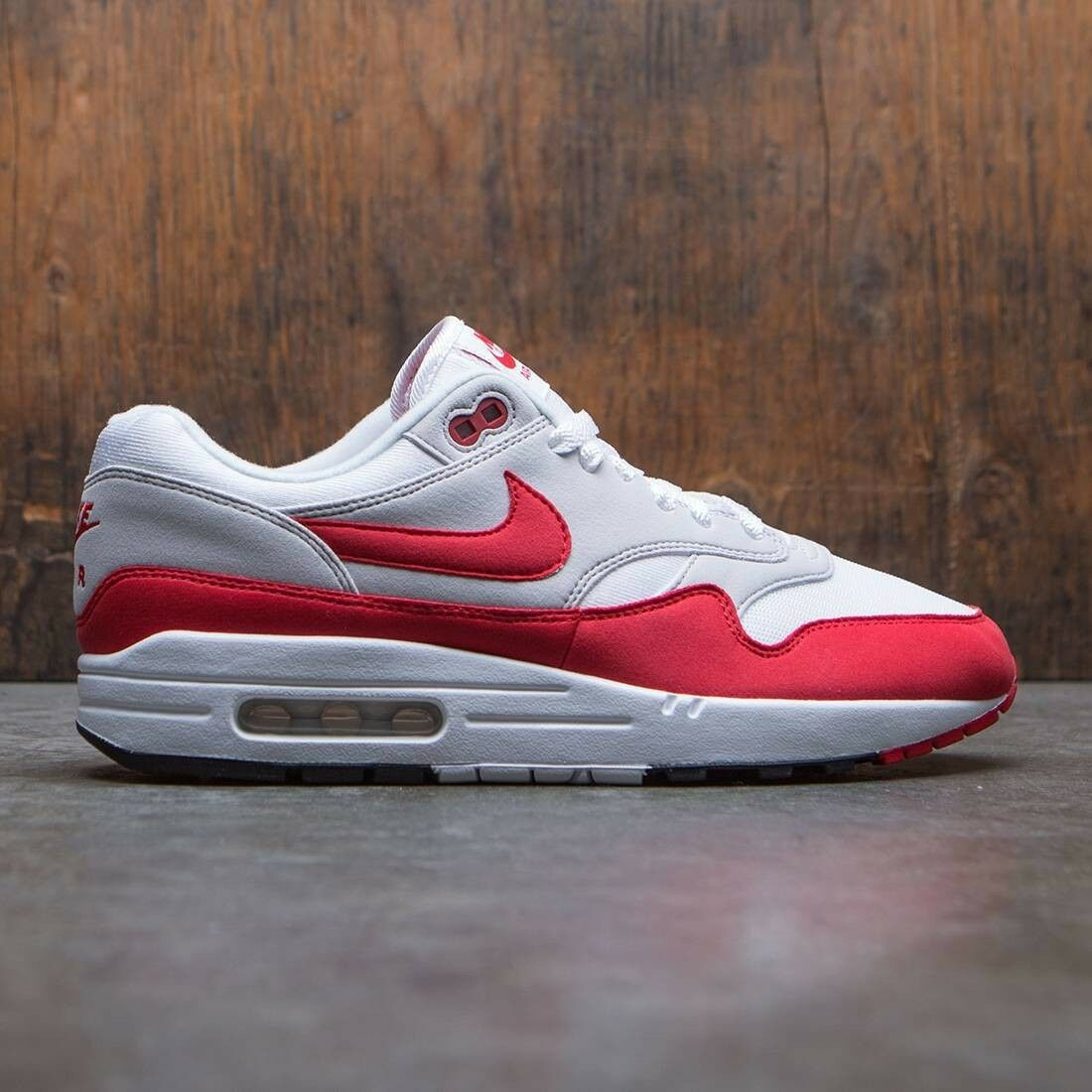 Nike Air Max 1 Anniversary Retro OG White Red Size 14. 908375-103 90 95 97 98