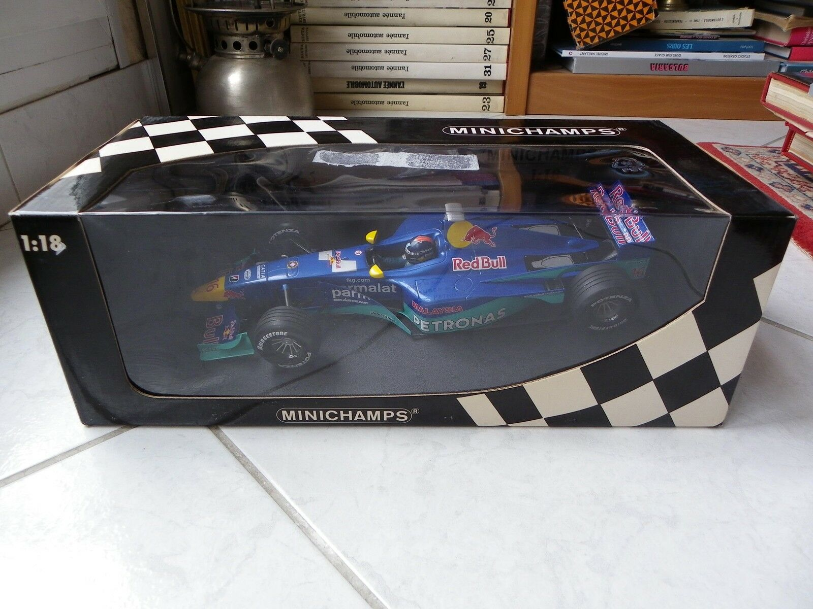 Sauber Petronas rouge Bull Pedro Diniz Showcar 2000 1 18 Minichamps Formule 1 F1