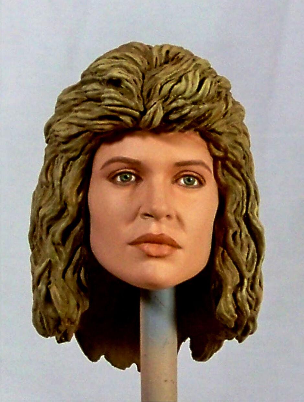 1 6 Egen chef för Linda Hamilton som Sarah Conner från filmän Terminator