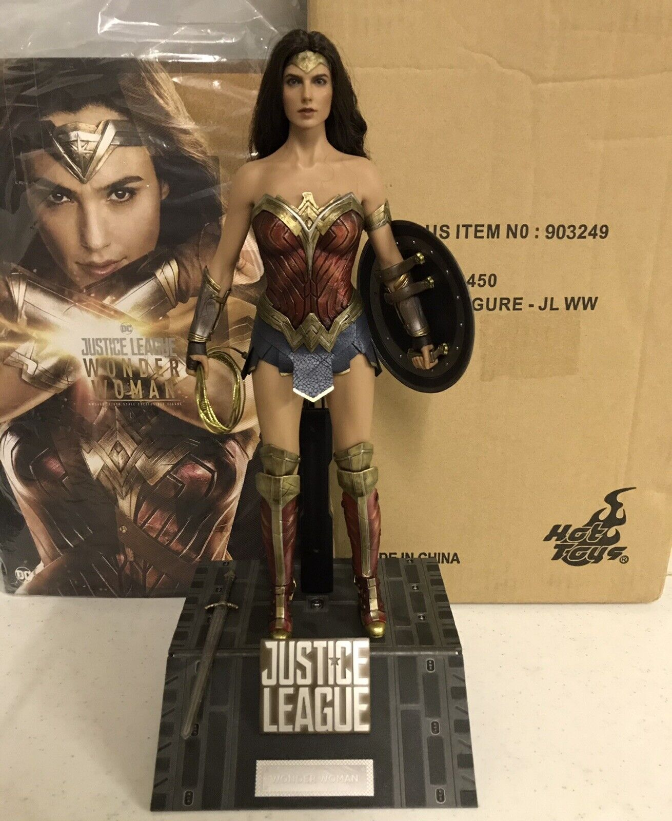 Hot Toys 1/6 Wonder Woman Justice League MMS450 on eBay thumbnail