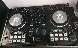 Traktor S2 MK32-CHANNEL DJ CONTROLLER
