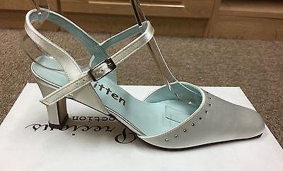 Señoras Marfil raso nupcial Dama Boda Zapatos todos los tamaños 3-8 estilo Daisy