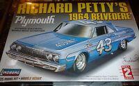 Lindberg Richard Petty Plymouth 1964 Belvedere 43 1/25 Model Car Mountain