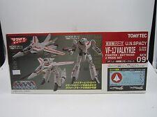 Macross 1/144 Gi-MIX VF-1J Valkyrie Fighter + Battroid 2 Model Kit Set TomyTec