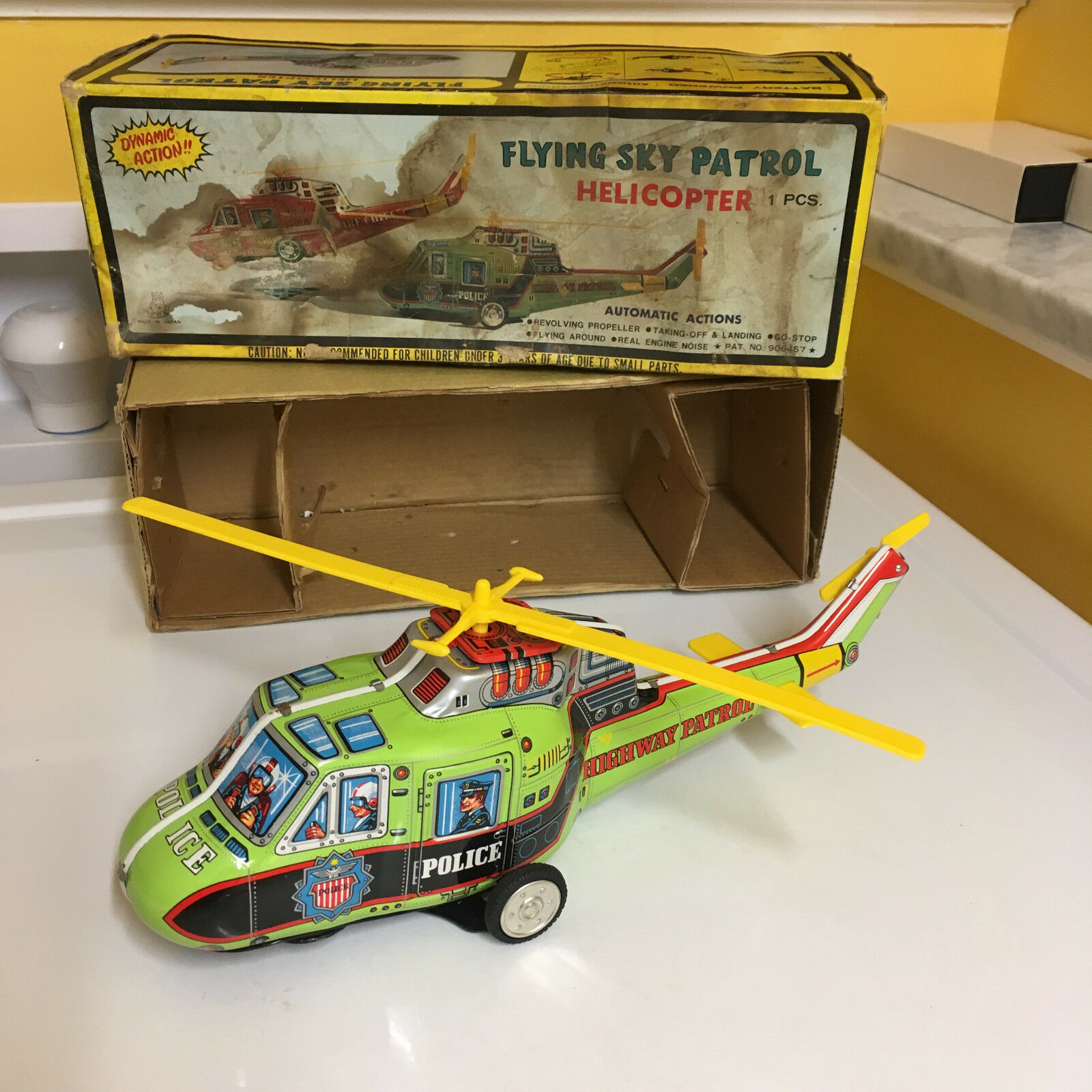 TPS TIN fliegen SKY PATROL HELICOPTER W BOX & FULLY WORKING AS DESIGNED T.P.S.