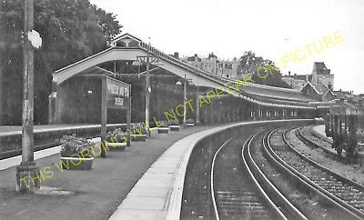 Windsor /& Eton Riverside Railway Station Photo 6 Wraysbury and Staines Line.