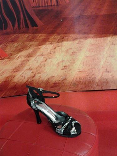 SCARPE DA BALLO CON  STRASS E DOPPIO FONDO T10 COD.Z62.100.510 dancin
