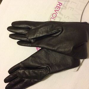 NWT UR Powered touch screen compatible brown leather gloves 6