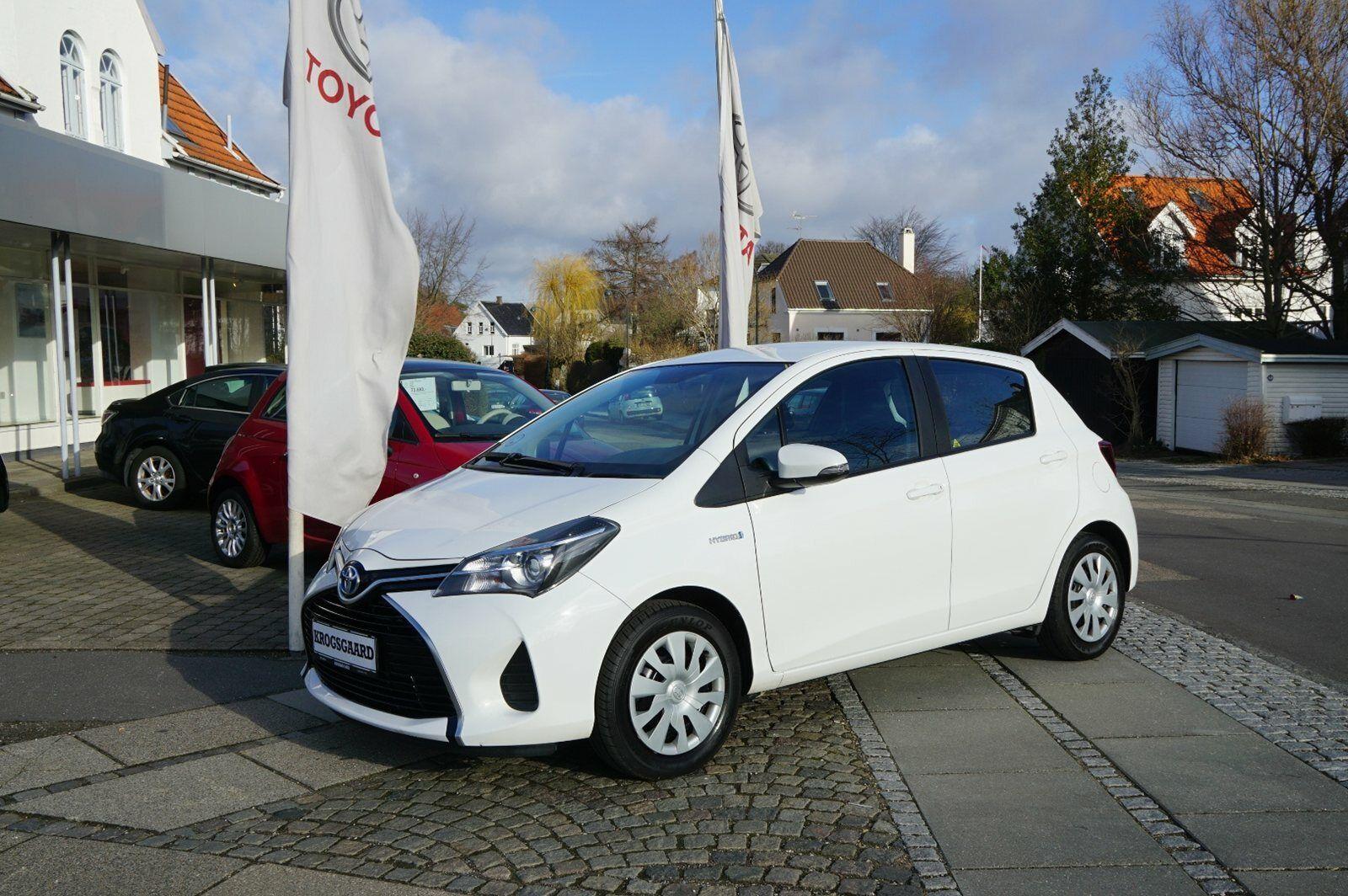 Toyota Yaris 1,5 Hybrid H2 CVT 5d - 144.900 kr.