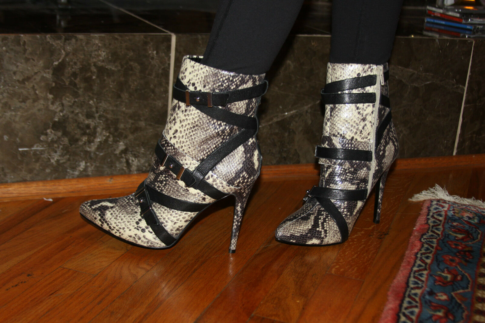 GUESS PARLEY POINTY TOE NATURAL 8 MULTI LEATHER BOOTIE SIZE 8 NATURAL 1e636c