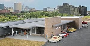 4064 Walthers Modern Brick Santa Fe Passenger Station / Depot HO Kit