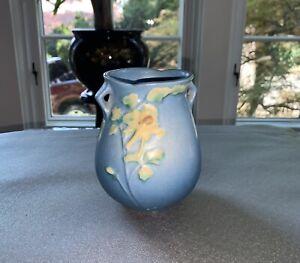 Rare-Roseville-Pottery-Columbine-Double-Handled-Vase-Pattern-12-4-Blue-Mint