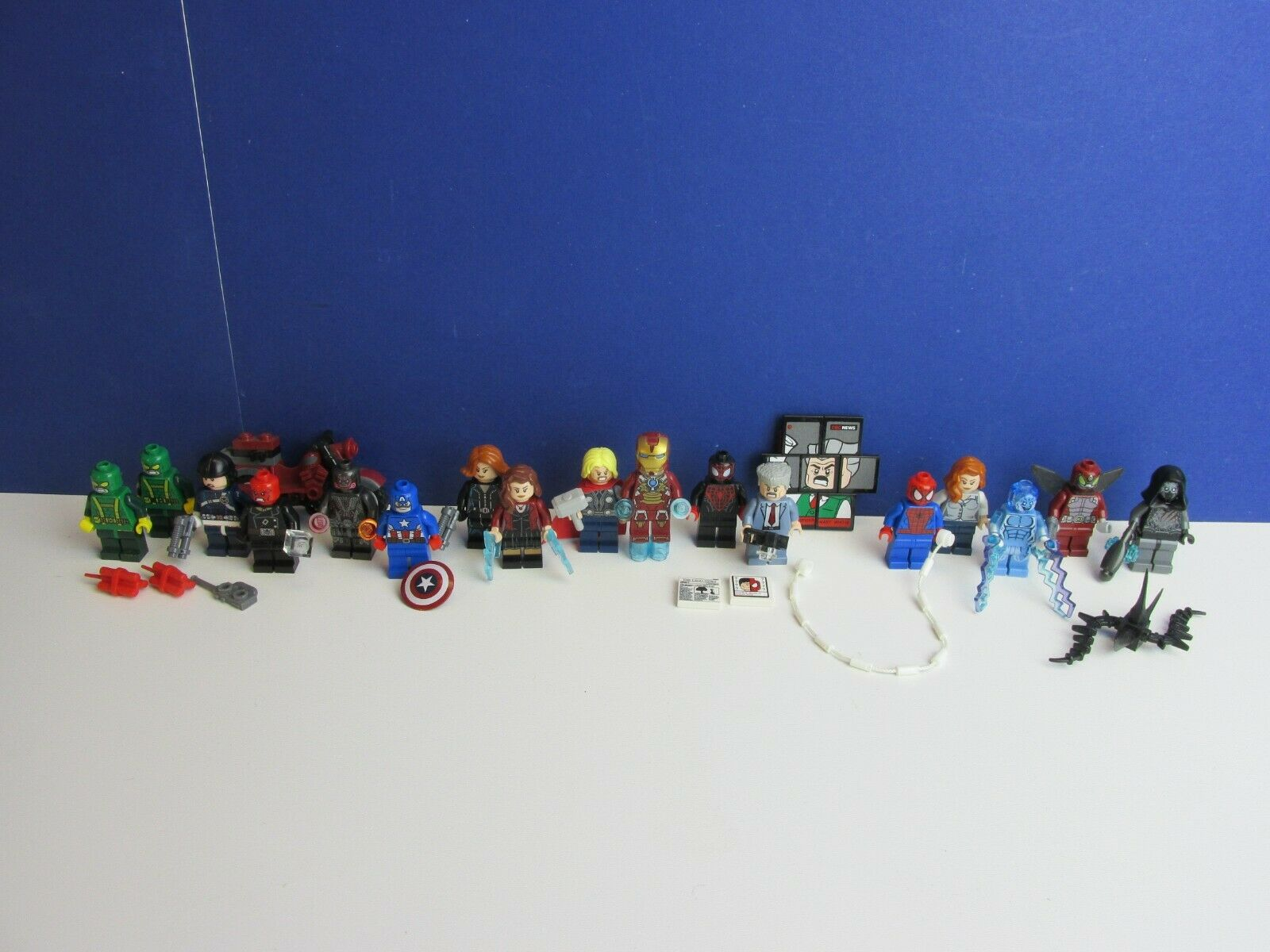 17 genuine LEGO AVENGERS ASSEMBLE TEAM SET minifigure MARVEL SUPER HERO 26J