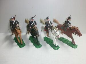 Konvolut-4-alte-Elastolin-Kunststoff-Soldaten-zu-7-5cm-Russen-Kosaken-Reiter